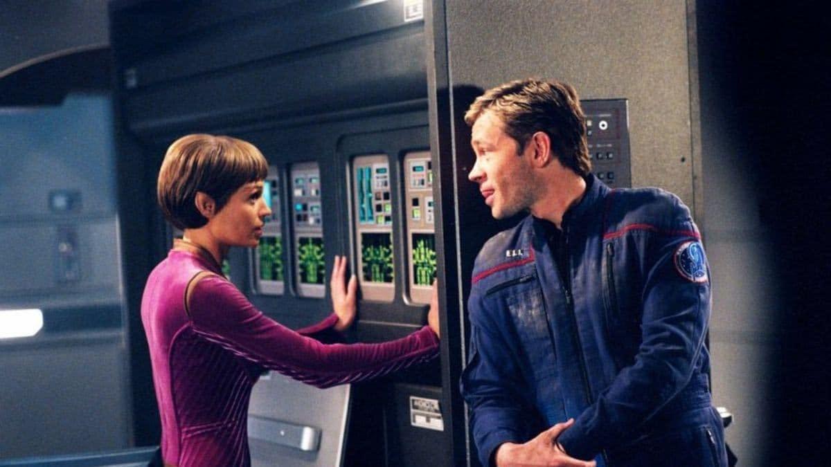 Star Trek Enterprise - Jolene Blalock - Connor Trinneer